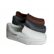 Henselite Victory Slipon, available in white, size 12 only